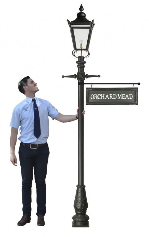 2 7m Victorian Lamp Post With Hanging Sign, Lamp Post Hanging Address Sign