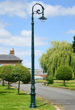 3.5m Antique Green Gothic Deluxe Victorian Lamp Post