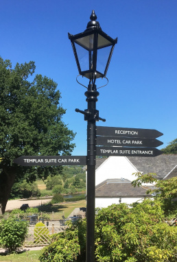 Victorian Lamp Post 3.25m With Direction Signs