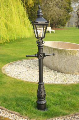 Miniature Victorian Lamp Post Set 1.5m