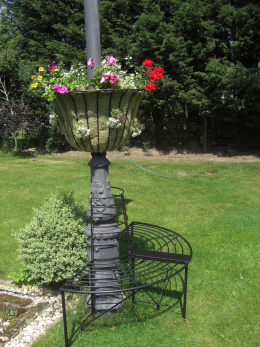 Wrought Iron Lamp Post Garden Seat
