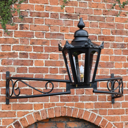 Black Victorian Lantern on Bow Bracket