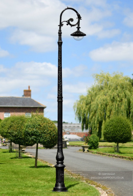 3.5m Antique Black Gothic Deluxe Victorian Lamp Post