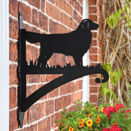 """'Golden Retriever'"" Dog Garden Hanging Basket Bracket"
