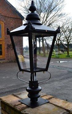 Victorian Lantern with 150watt Metal Halide fitting