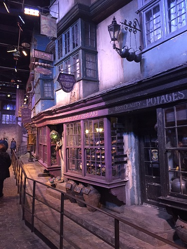 diagon alley wall lantern