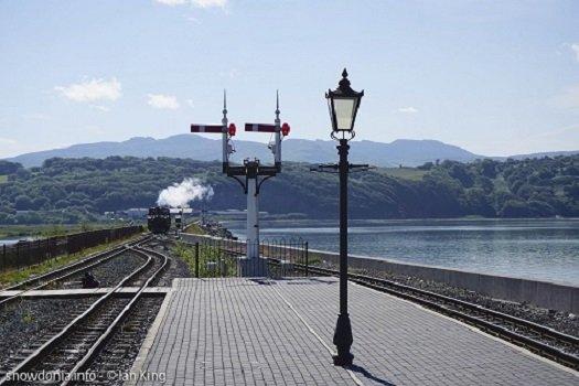Lamp Posts at Snowdonia